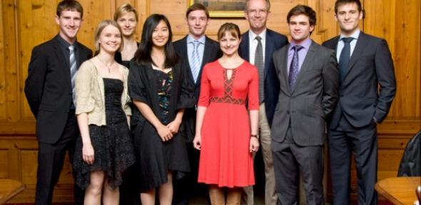 Andy Leonard, Vice President BP Cambridge, with some of the first BP supported Cambridge-MIT exchange students at the launch of the extension of the programme to non-Engineers