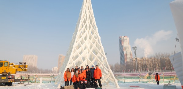 The ice tower, designed by Professor Arno Pronk, awarded first prize in the competition