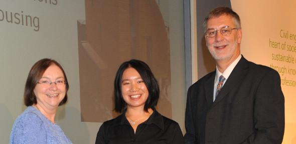 Joan Ko(middle) and Dr Dick Fenner(right) receiving their prize