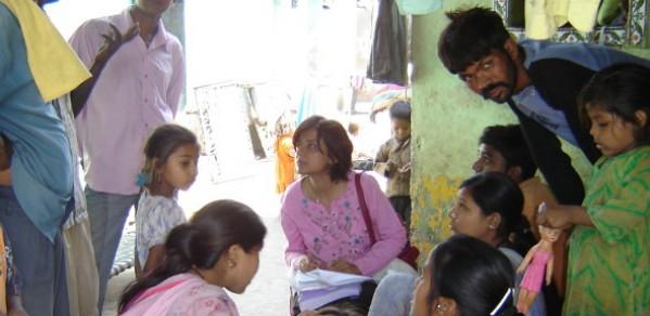 Priti Parikh collecting data in the slum settlement of Sanjaynagar, Ahmedabad city, India