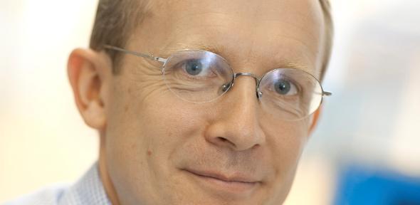 Dr Tim Minshall