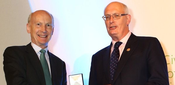 Professor Robert Mair receiving his medal