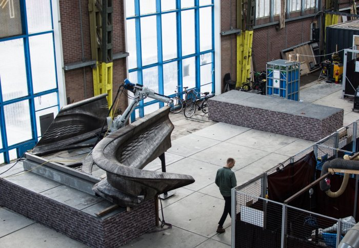 The bridge being printed. Image: Olivier de Gruijter